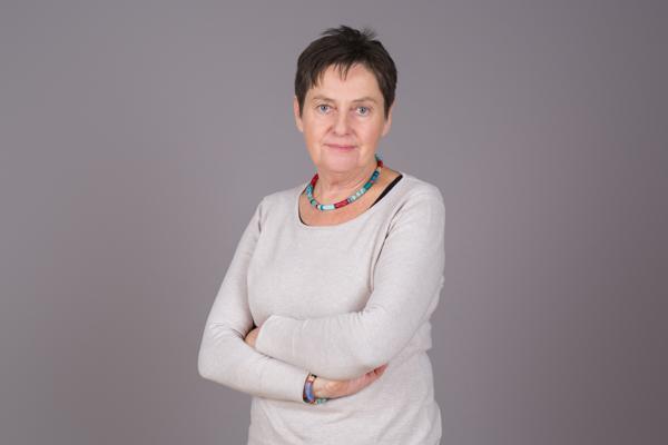 Ein Portrait von Leonore Petrovic